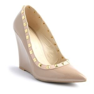 🍁Nude Studded Accent Pointy Toe Single Patent Wed
